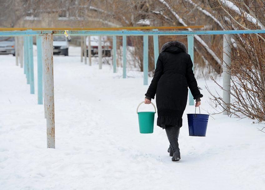 Воронежские управляющие компании «ПИК-Комфорт» организовали подвоз воды к домам горожан