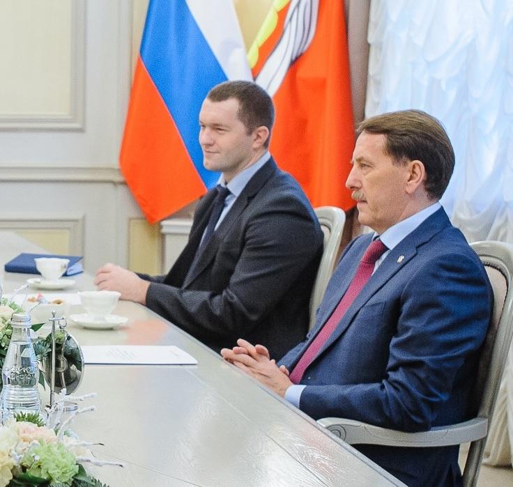 Юрий Агибалов и Сергей Соколов стали кандидатами на ответственную должность. Кто победит - опыт или молодость?