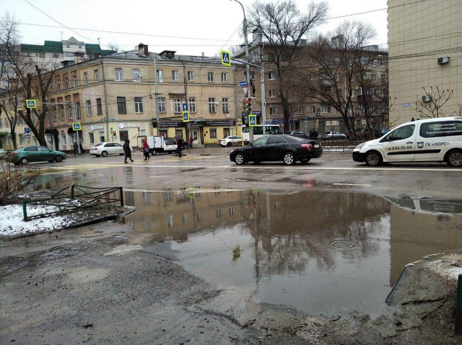 Центр Воронежа после ремонта тонет в лужах (ФОТО)