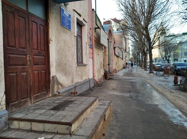 В центре Воронежа разгоняют автошколу ради строительства сладкого ЖК?
