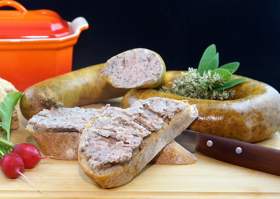 Антибиотики, соя и сульфаниламиды - что еще нашли эксперты в воронежской колбасе
